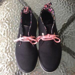 Black & floral Dr Martins size 5 girls